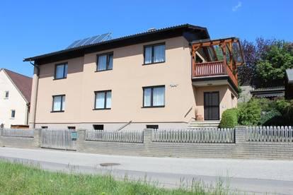 PREISREDUKTION! Sehr schönes Wohnhaus in Spielberg zu verkaufen, 1 oder 2 Familien geeignet.