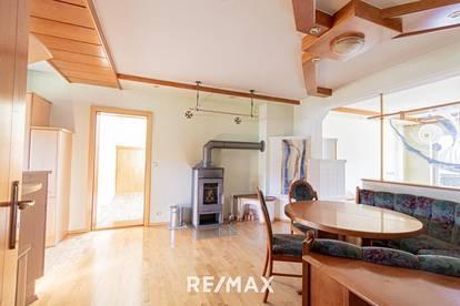Bad Goisern: Große 5 Zimmer Dachgeschosswohnung mit Garage und Balkon