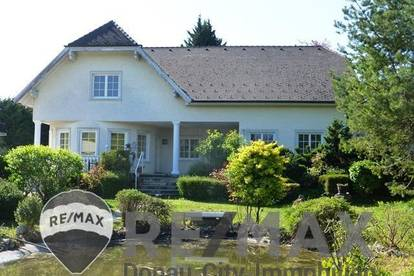 <b>&quot;Villa mit Biotop, Pool und Obstbäumen im Garten, direkt in Perchtoldsdorf!&quot;</b>