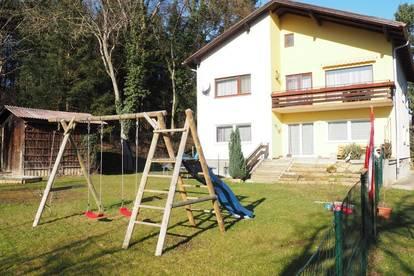 Wohnung mit Garten, Garage, Keller