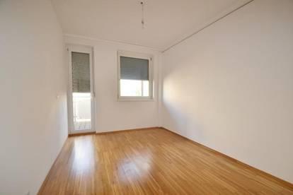 Eggenberg - 63m² - 3 Zimmer - großer Innenhofbalkon - inkl. Parkplatz
