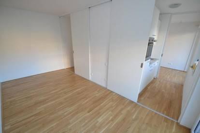 Jakomini - 35 m² - neuwertige 2 Zimmerwohnung - großer Balkon - Top Zustand