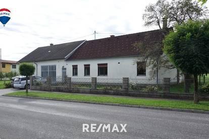 Wohnhaus mit Nebengebäude und schönem Innenhof!