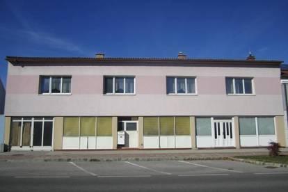 Felixdorf: Großes Wohn- und Geschäftshaus mit vielen Nutzungsmöglichkeiten in zentraler Lage