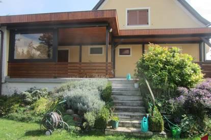 Einfamilienhaus in massivbauweise möbliert und mit großem Garten zu mieten!