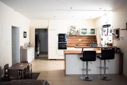 SUPERSCHNÄPPCHEN in Gablitz - große Familienwohnung mit zwei Dachterrassen und Garten