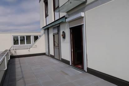 3-Zimmer-Terrassenwohnung mit Lift und Tiefgaragenplatz
