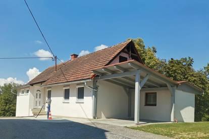 Nähe Riegersburg: Romantisches kleines Haus mit großem Garten und Waldstück