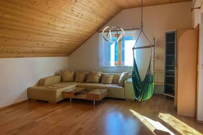 SPIELRAUM - 4 Zimmer Eigentumswohnung mit XXLoggia und Gartenfläche in Neulichtenberg