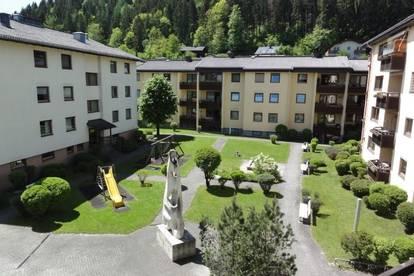 GEMÜTLICHES UND GEPFLEGTES AMBIENTE - SONNEN-/ UND RUHELAGE - GEHWEITE INS STADTZENTRUM - MIETE: 3 Zimmerwohnung in Bischofshofen - Ski amadè