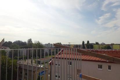 Erstbezug - Wunderschöne 3-Zimmer-Wohnung mit großer Dachterrasse in den Innenhof gerichtet