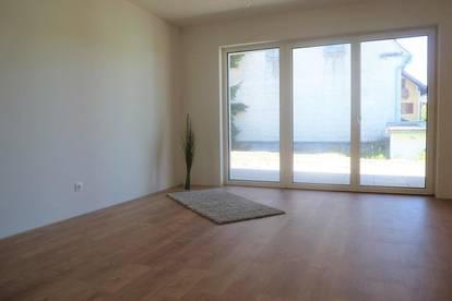 Sehr schöne, exklusive 3-Zimmer-Wohnung mit Terrasse, Eigengarten und KFZ- Abstellplätzen in Kalsdorf bei Graz