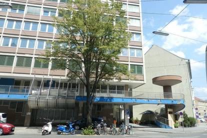 Beste Innenstadtlage - Zweigeschossiges, vielseitig nutzbares Gewerbeobjekt/Büro mit großen Freiflächen und viel Potenzial