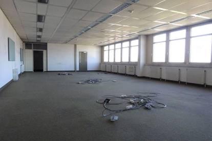 1. Monat mietfrei - Helles 243 m² großes Büro mit schöner Aussicht in zentraler Lage