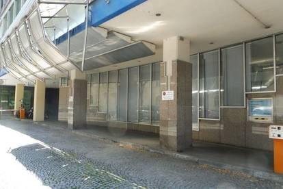 Direkt am Dietrichsteinplatz - Dreigeschossiges Wohnungseigentumsobjekt/Büro mit großen Freiflächen und viel Potenzial