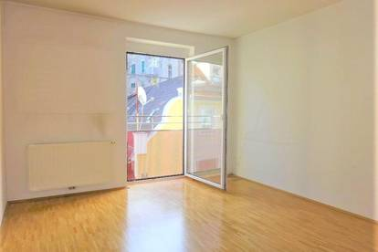 Perfekt aufgeteilte 3-Zimmer-Wohnung mit Balkon und separater Küche in zentraler Stadtlage
