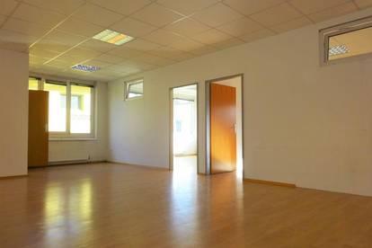 Schöne Büroräumlichkeiten in guter Lage nahe dem Autobahnzubringer und Gleisdorf Stadt - PROVISIONSFREI
