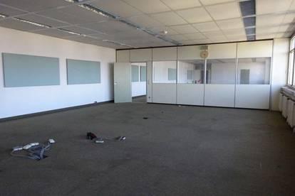 1. Monat mietfrei - Lichtdurchflutetes 243 m² großes Büro mit schöner Aussicht in zentraler Lage