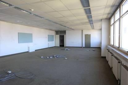 Sehr helles 243 m² großes Büro mit schöner Aussicht in bester Lage - 1. Monat mietfrei