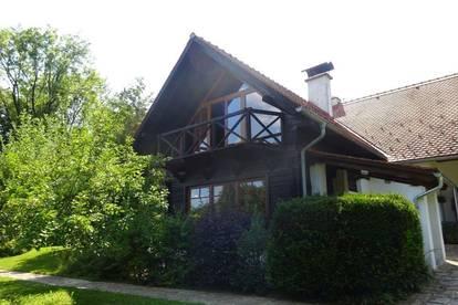 Exklusiver Landsitz in Alleinlage - Einfamilienhaus mit rund 4,2 ha Grund in Nestelbach