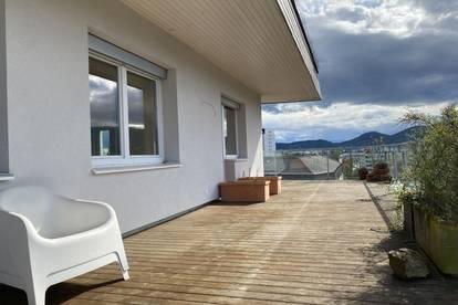 Sehr helle und hochwertige 3-Zimmer-Penthouse-Wohnung mit KFZ-Abstellplätze in Graz-Geidorf