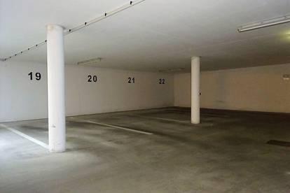 KFZ-Tiefgaragen-Abstellplatz in zentraler Lage in der Körösistraße 61 zu vermieten