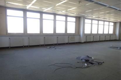 1. Monat mietfrei - Sehr helles 243 m² großes Büro mit schöner Aussicht in Bestlage