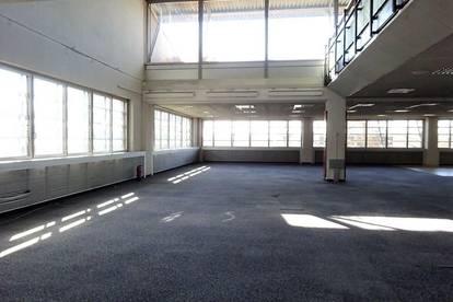 1. Monat mietfrei - Sehr modernes Büro in zwei aufgeteilten Etagen sowie eine Dachterrasse mit wunderschönem Blick in bester Lage
