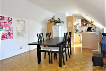 Wunderschöne WG-taugliche 4-Zimmer-Wohnung in unmittelbarer Nähe zur Karl-Franzens-Universität