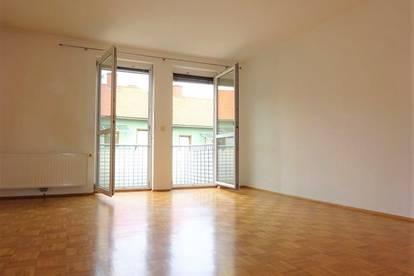Gut aufgeteilte Single-/Pärchen Wohnung mit schönem Balkon in absoluter Grünruhelage