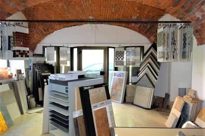 Büro, Lokal oder Schauraum - Hochwertig sanierte Gewerbefläche im zentralen Altbaujuwel in der Weizer Innenstadt