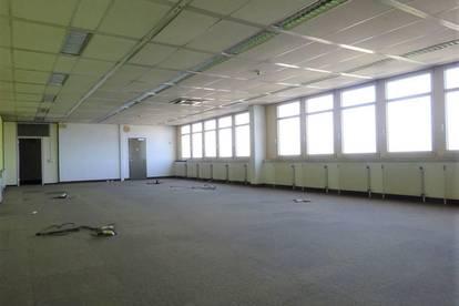 1. Monat mietfrei - Sehr großzügige, helle Bürofläche mit Traumaussicht über Graz – in zentraler Lage