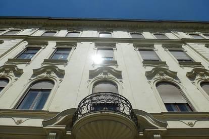 Exklusives Anlageobjekt direkt gegenüber der Karl-Franzens-Universität - Vermietete Wohnungen im Jugendstilhaus und KFZ-Tiefgaragenabstellplätze