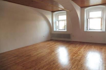 Vermietete, zentral gelegene 3-Zimmer-Altbauwohnung in Weiz