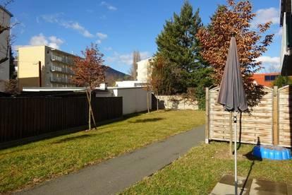 Sehr schöne 2-Zimmer-Wohnung mit Terrasse, Eigengarten und KFZ-Abstellplatz - Neubau