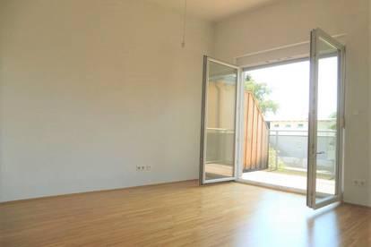 Perfektes Anlageobjekt - Sonnendurchflutete 2-Zimmer-Wohnung mit Balkon und KFZ-Abstellplatz
