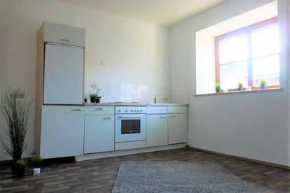 Schöne, helle 2-Zimmer Wohnung im Altbaujuwel im Zentrum von Weiz