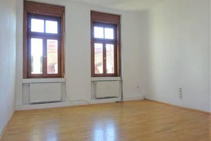 4-Zimmer-Altbauwohnung mit Balkon in bester Lage, nähe TU Graz - WG-geeignet