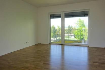Erstbezug - Wunderschöne 3-Zimmer-Wohnung mit Balkon in sehr zentraler Lage