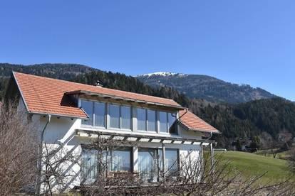 Ruhig gelegenes Architektenhaus Nähe Golfplatz