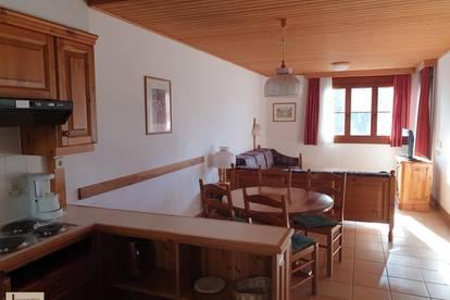 RESERVIERT!! Möblierte 2-Zimmer-Ferienwohnung mit Balkon