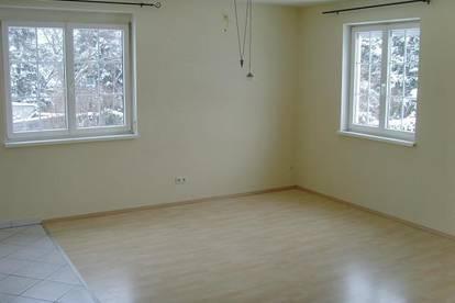 Schöne 2 Zimmer-Wohnung, Nähe Ebreichsdorf und Eisenstadt