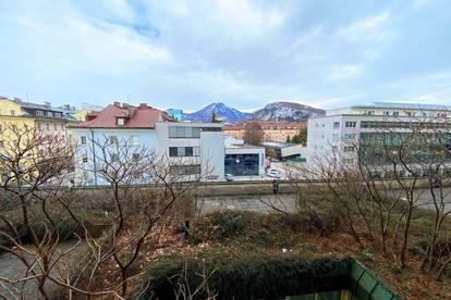 Salzburg - Sonnige Garconniere mit Balkon