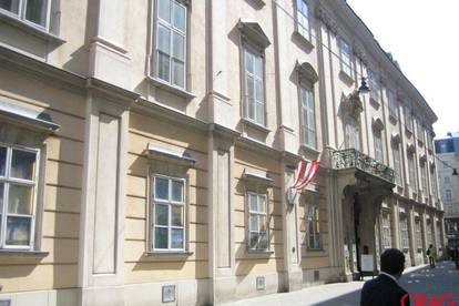 Dachgeschoßbüroetage in Palais Esterhazy in 1010 Wien zu mieten