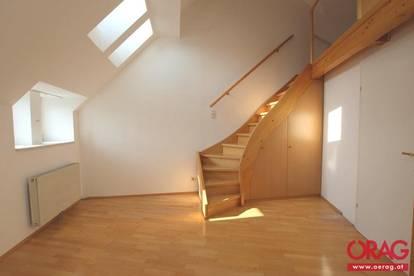 Schöne 2-Zimmer-Dachgeschosswohnung mit Loggia am Zimmermannplatz - Miete 1090 Wien