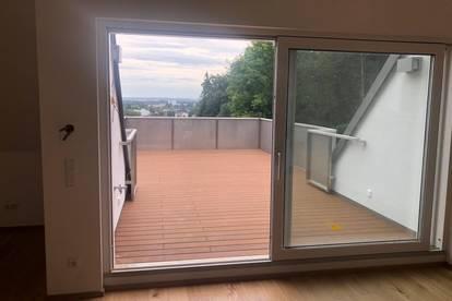 sonnige Dachterrasenwohnung mit 118 m² Wfl. +10 m² sonnigen Balkon+26 m² s/w Terrasse -Am Fuße des Froschberges - NATUR PUR mit bester INFRASTRUKTUR