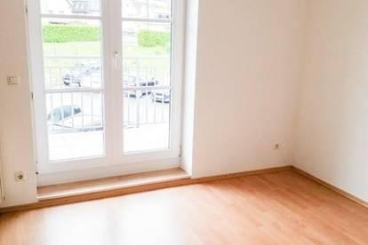 Wohnung mit 3 Zimmern und Balkon! Provisionsfrei!