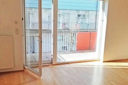 Geförderte Maisonettewohnung mit Balkon! 4 Zimmer!