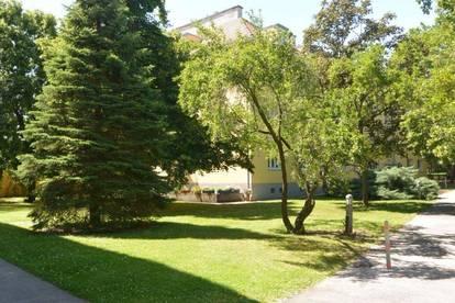 Gut geschnittene 65m² Wohnung in schöner grüner RUHELAGE in Baden Stadt!