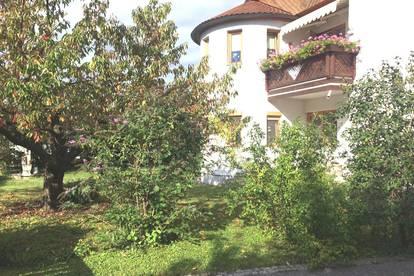 Sonnige, traumhafte 5-Zimmer-Hausetage mit herrlichem Garten und Pool!